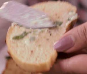 Instant Garlic Bread on Taw
