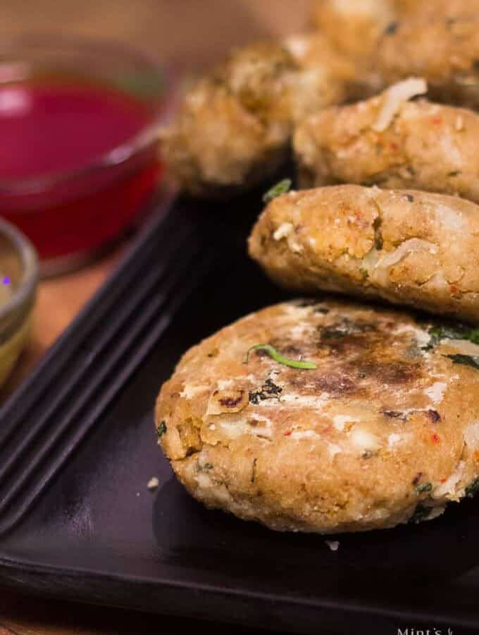 How To Make Leftover Roti Ki Tikki
