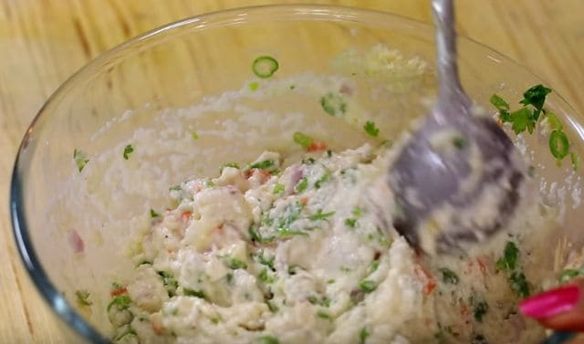 Mixed Veg Suji Pakora