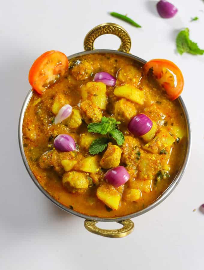 Potato Soyabean Ki Sabzi | Soya Aloo Curry