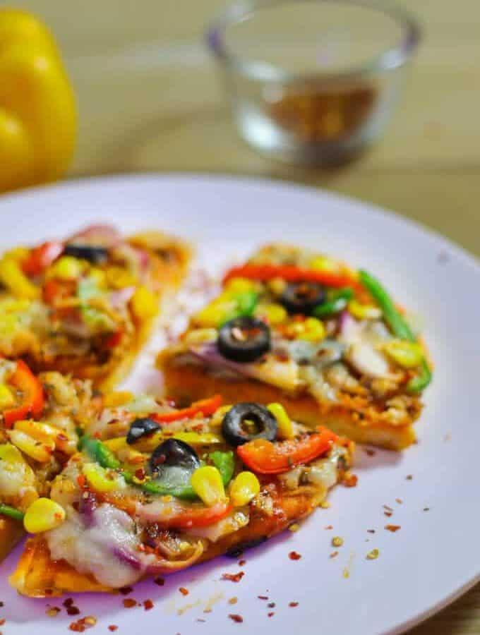 Veg Pizza On Tawa | Dominoz Pizza Style Recipe