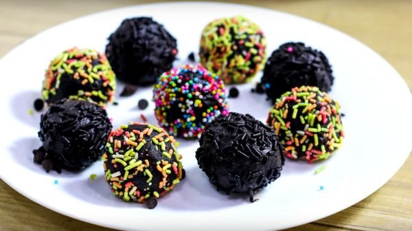chocolate Biscuits Balls