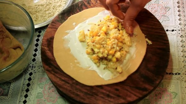 corn cheese pizza paratha9