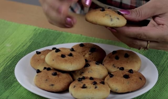 Choco chips cookies
